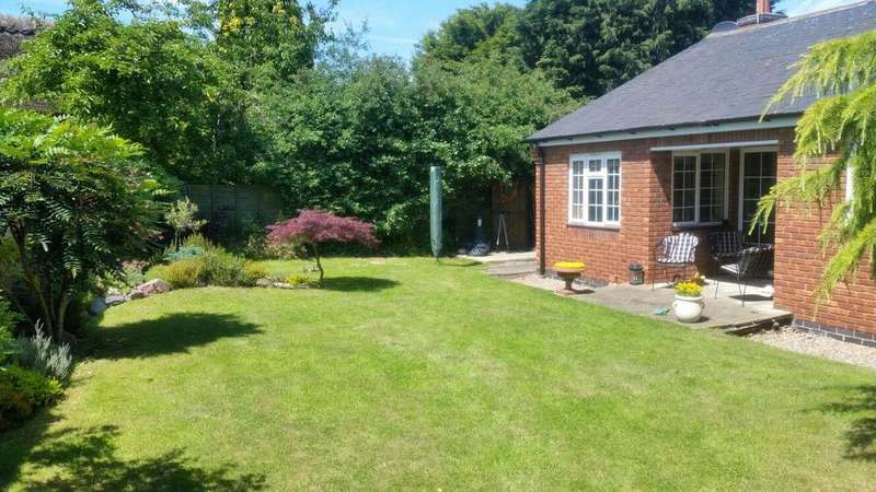 3 Bedrooms Detached Bungalow for sale in Station Road, Littlethorpe