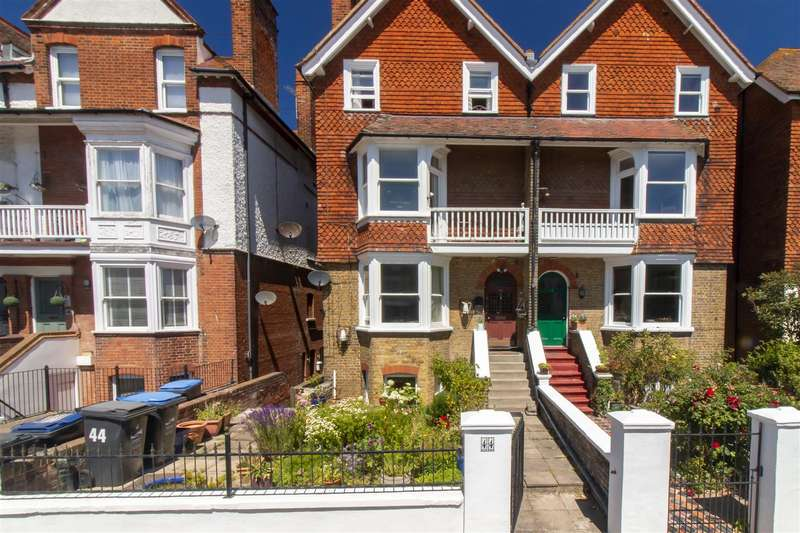 6 Bedrooms Semi Detached House for sale in Westgate Bay Avenue, WESTGATE-ON-SEA