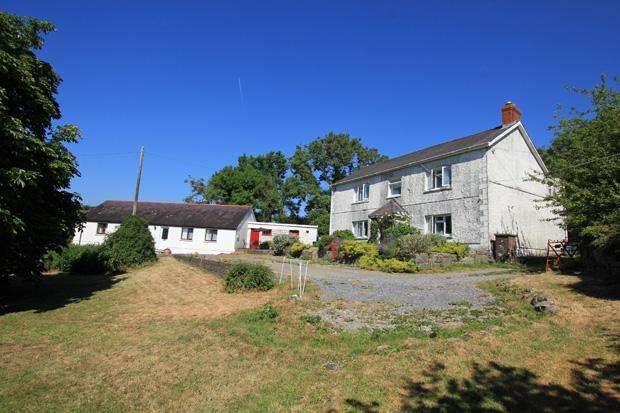 5 Bedrooms Detached House for sale in Peniel, Carmarthen, Carmarthenshire