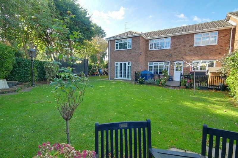 4 Bedrooms Semi Detached House for sale in Temple Mead, Roydon