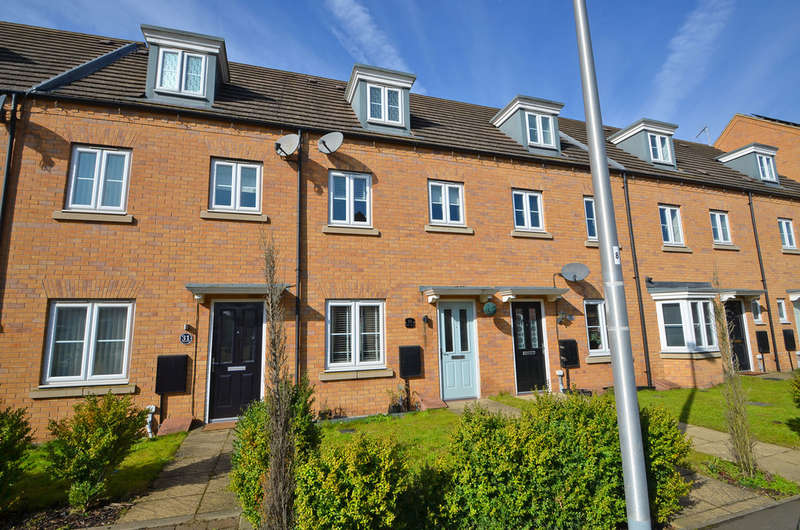 3 Bedrooms Town House for sale in Oulton Road, Caldecott Manor, Rugby