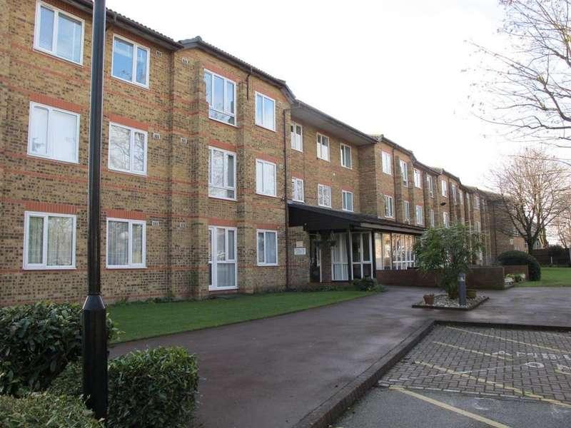 1 Bedroom Flat for sale in Ennerdale Court,Cambridge Road, Wanstead.