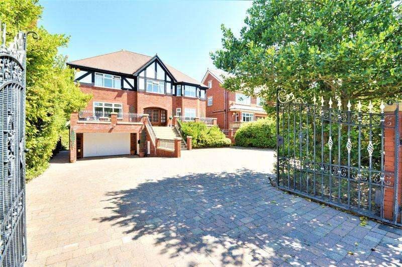 5 Bedrooms Detached House for sale in Grosvenor Road, Southport