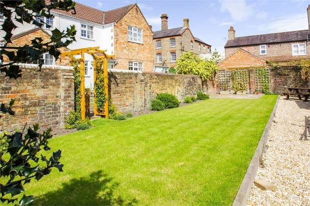 2 Bedrooms Semi Detached House for sale in Park Road, Alford, Lincolnshire