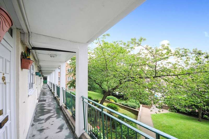 3 Bedrooms Flat for sale in Anerley Road, London, SE20