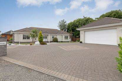 3 Bedrooms Bungalow for sale in East End, Star