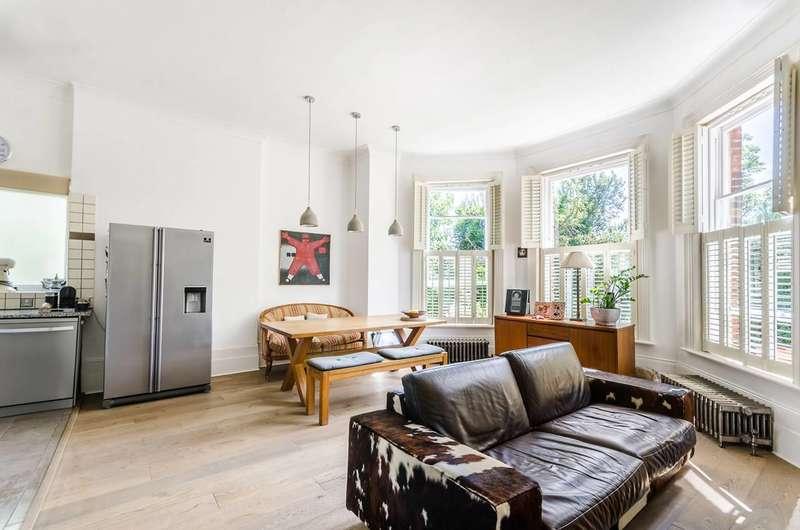 3 Bedrooms Flat for sale in Honor Oak Park, Honor Oak Park, SE23