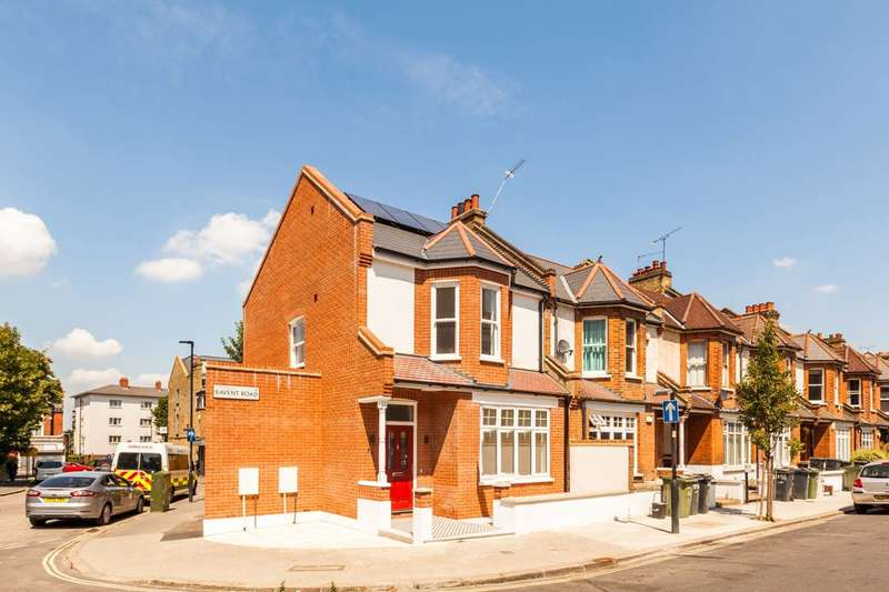 3 Bedrooms End Of Terrace House for sale in Bavent Road, Camberwell, SE5