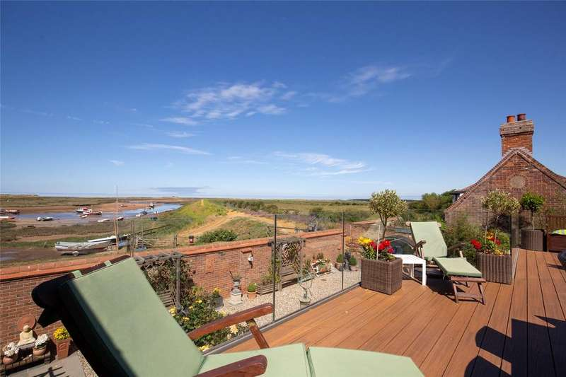 5 Bedrooms Detached House for sale in East Harbour Way, Burnham Overy Staithe, Norfolk, PE31