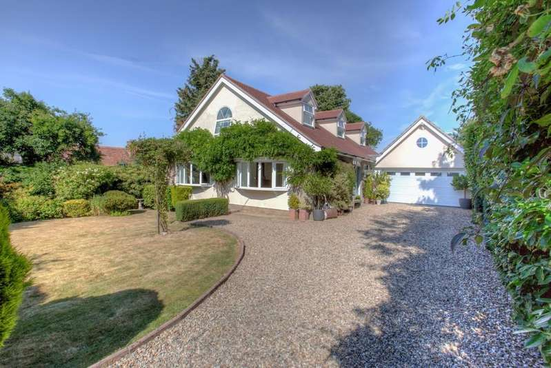 4 Bedrooms Chalet House for sale in Bures Road, Lamarsh, Bures CO8 5ER