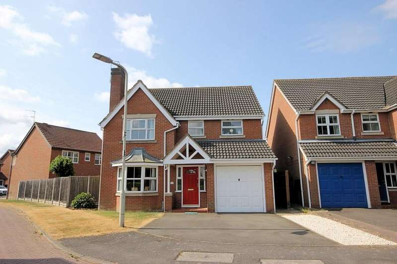 4 Bedrooms Detached House for sale in Honeysuckle Way, Loughborough