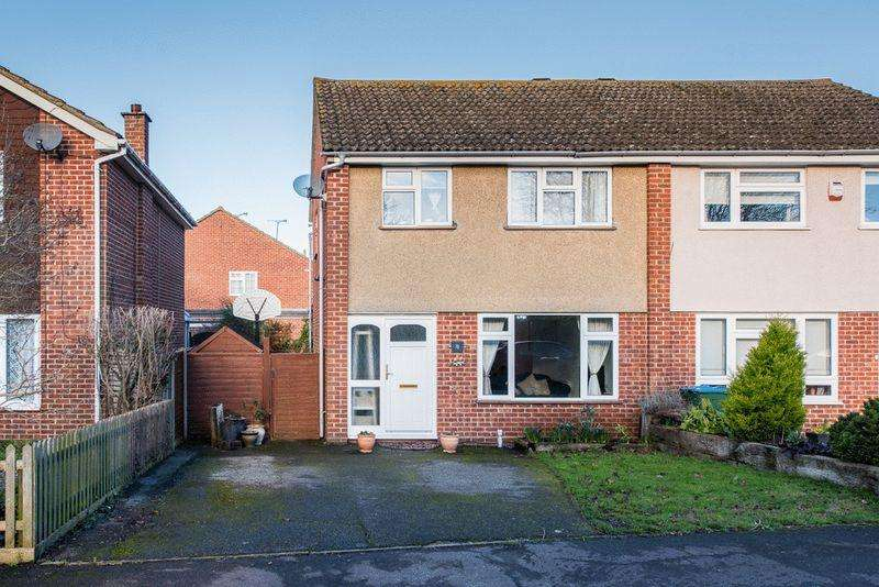 3 Bedrooms Semi Detached House for sale in Aston Clinton