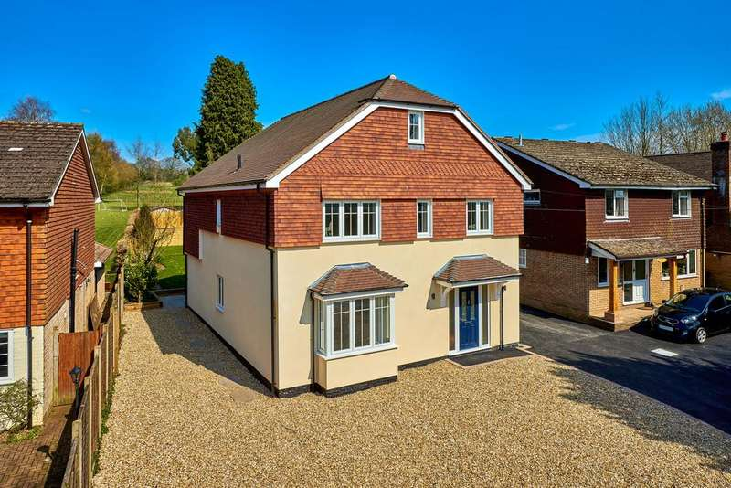 5 Bedrooms Detached House for sale in Church Road, Bramshott