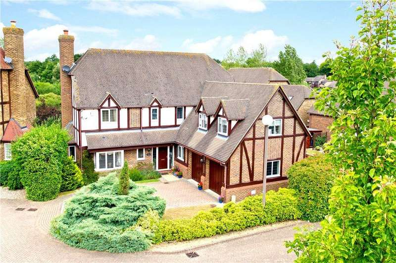5 Bedrooms Detached House for sale in Allerford Court, Furzton, Milton Keynes, Buckinghamshire