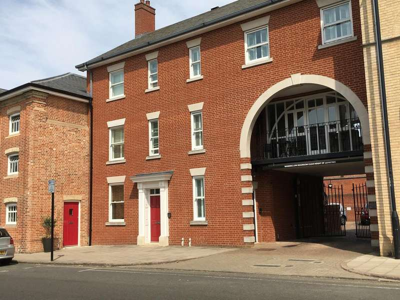 3 Bedrooms Town House for sale in Westgate Street, Bury St Edmunds IP33