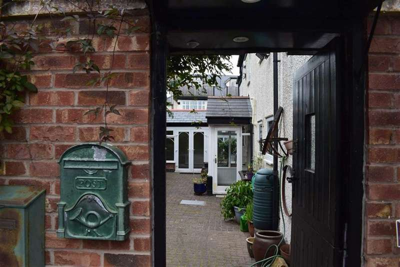 2 Bedrooms Detached House for sale in Barton Road, CH47