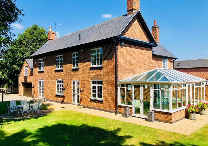 5 Bedrooms Detached House for sale in Stoughton Lane, Stoughton