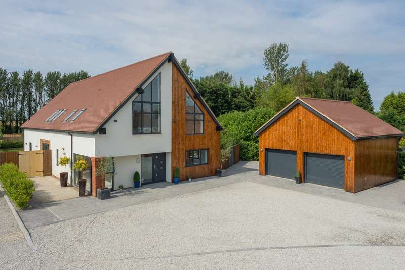 4 Bedrooms Detached House for sale in Meadow View, The Forstal, Preston, Canterbury, CT3