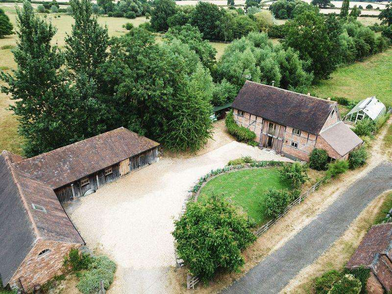 4 Bedrooms Barn Conversion Character Property for sale in The Moat Barn, Orchard Corner, Haselor