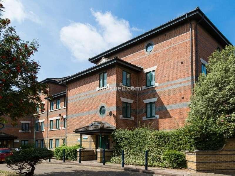 2 Bedrooms Flat for sale in Edenbridge Close, South Bermondsey SE16
