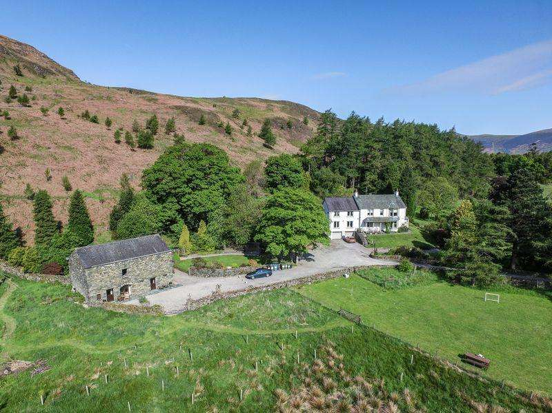 5 Bedrooms Detached House for sale in Brackenrigg, Naddle, Keswick