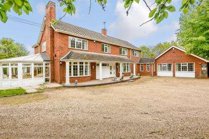 12 Bedrooms Detached House for sale in Great Ellingham, Attleborough, Norfolk