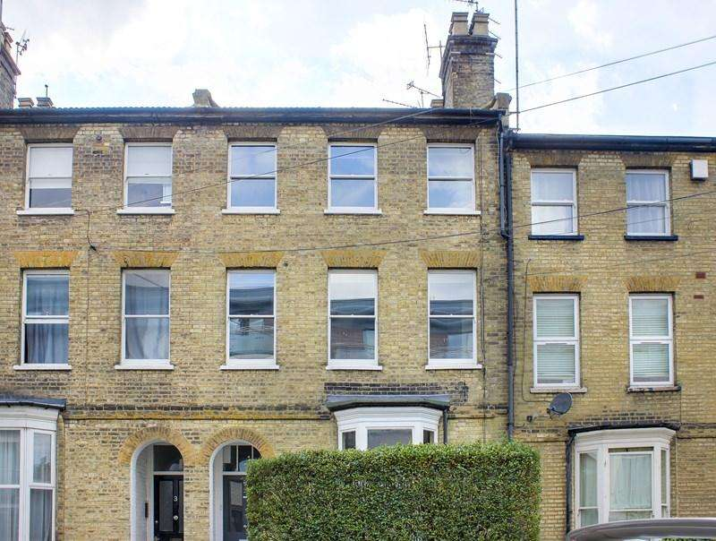 3 Bedrooms Flat for sale in Campsbourne Road, London