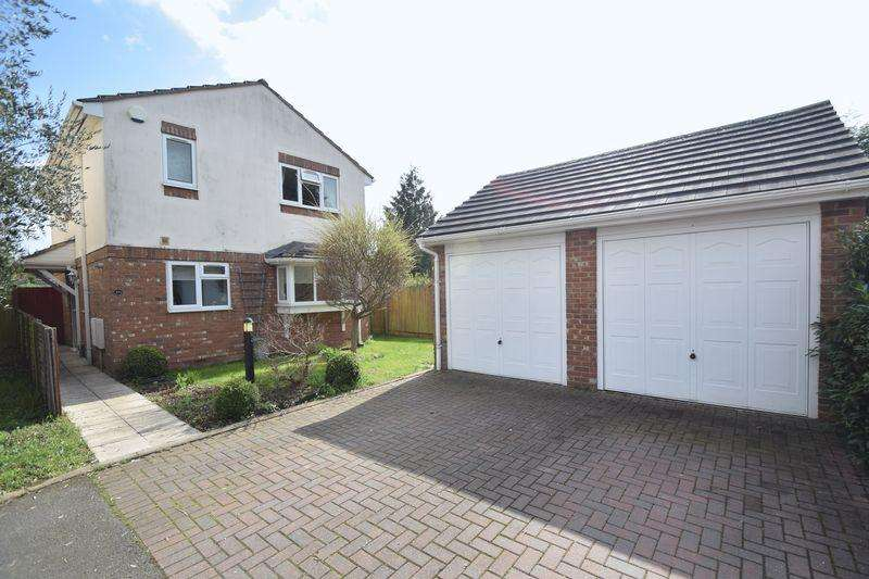 3 Bedrooms Detached House for sale in Seymour Road