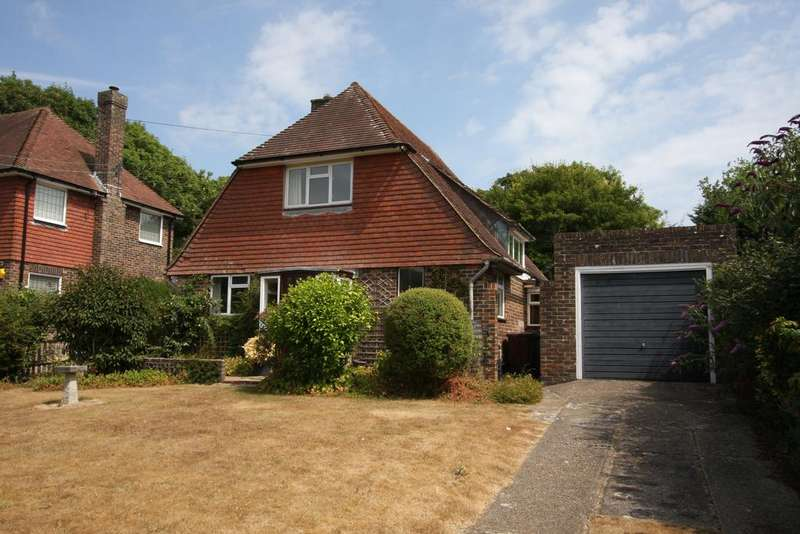 3 Bedrooms Detached House for sale in Gilberts Drive, East Dean BN20