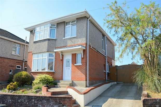 3 Bedrooms Detached House for sale in Hood Crescent, Bournemouth, Dorset