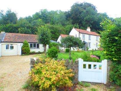 3 Bedrooms Detached House for sale in Banwell, Somerset