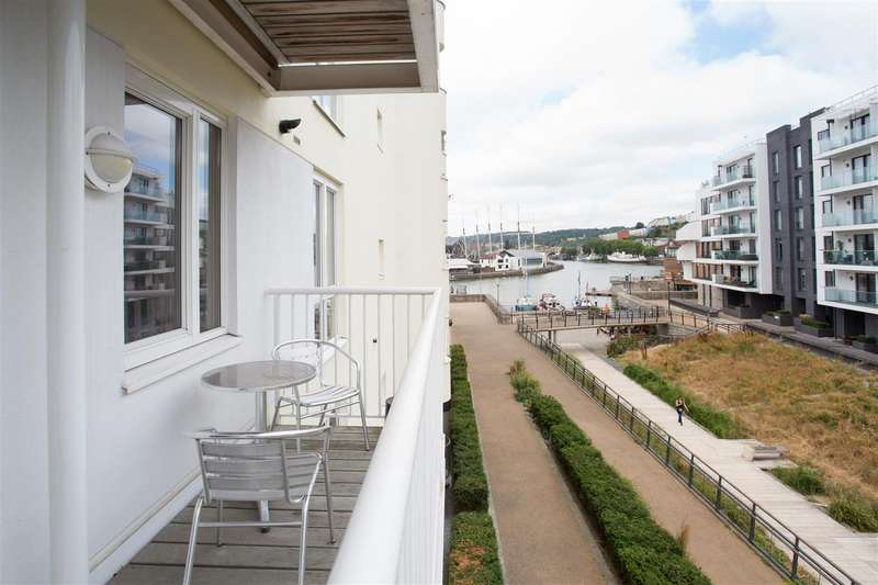 2 Bedrooms Flat for sale in Hannover Quay, Harbourside