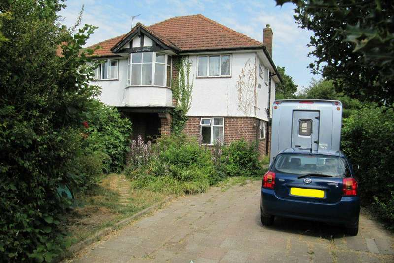 4 Bedrooms Detached House for sale in The Poynings, Richings Park, Buckinghamshire, SL0 9DS