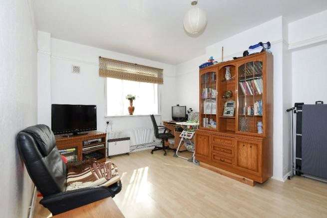 1 Bedroom Apartment Flat for sale in Swinburne Court, Basingdon Way, London, SE5