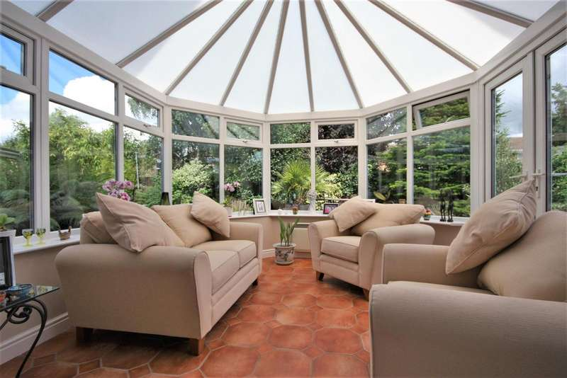 4 Bedrooms Property for sale in Springfield, Thringstone, Coalville