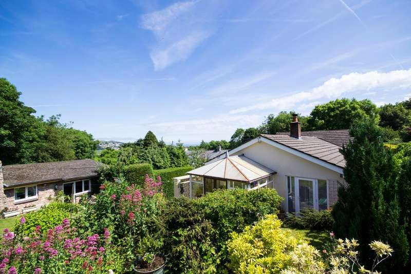 3 Bedrooms Bungalow for sale in Gilfach Road, Bryn Pydew, Conwy, LL31 9JX
