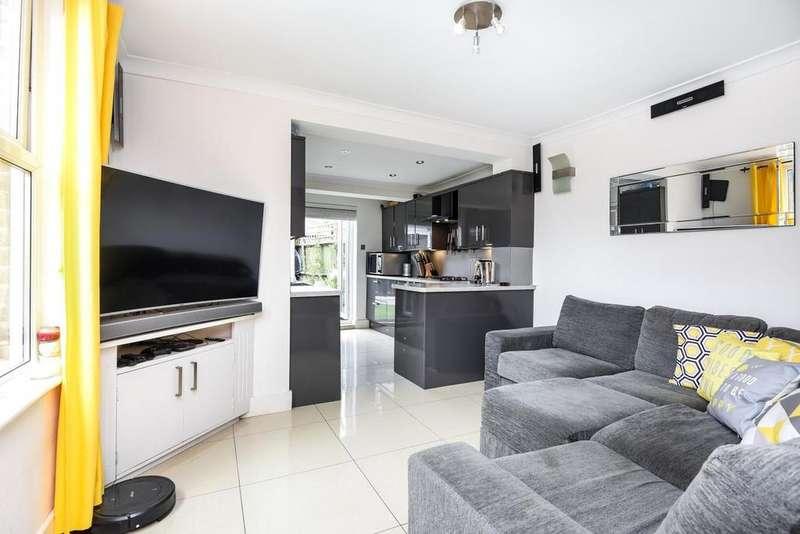 3 Bedrooms Semi Detached House for sale in Garratt Lane, Earlsfield