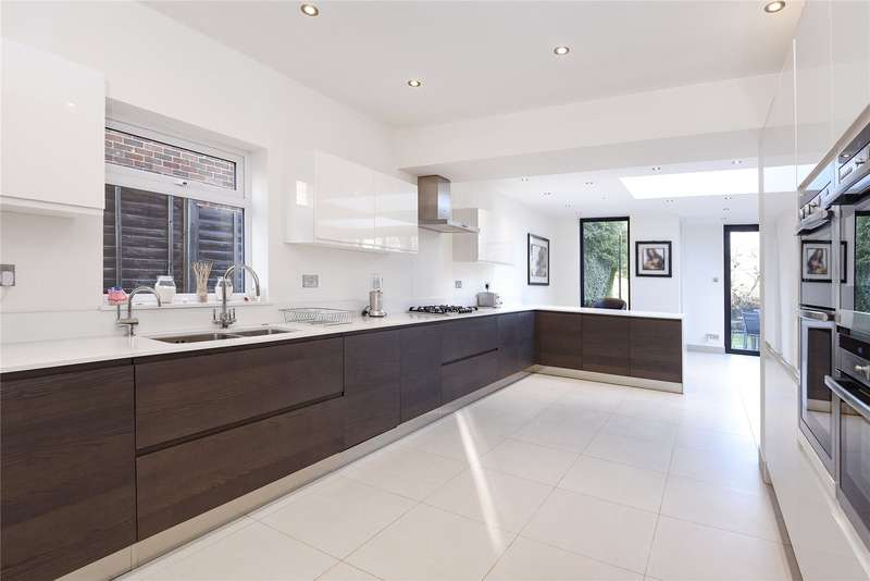 4 Bedrooms Detached House for sale in Oakleigh Park South, Whetstone