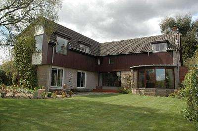 4 Bedrooms Villa House for sale in Craigleys, Viewhills Road, Newton Stewart DG8 6JA