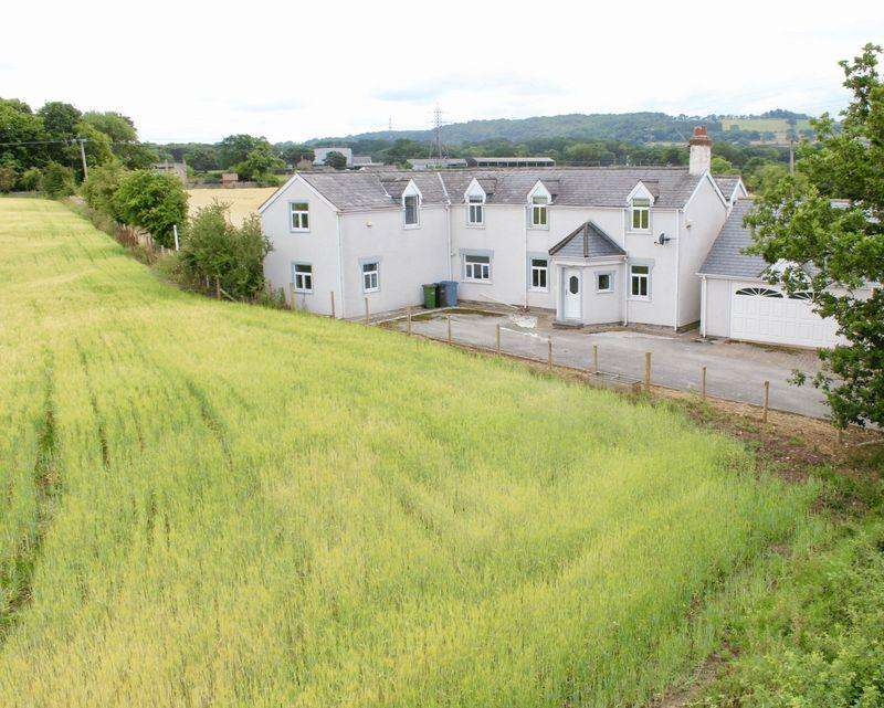 5 Bedrooms Detached House for sale in Cwttir Lane, St. Asaph