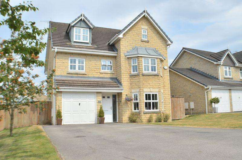 5 Bedrooms Detached House for sale in Mayflower Close, Glossop