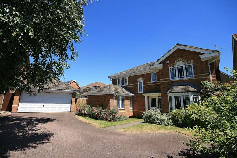 4 Bedrooms Detached House for sale in Balland Way, Wootton, Northampton, NN4