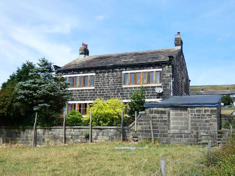 4 Bedrooms Detached House for sale in Learings Hall, Colden, Hebden Bridge, HX7