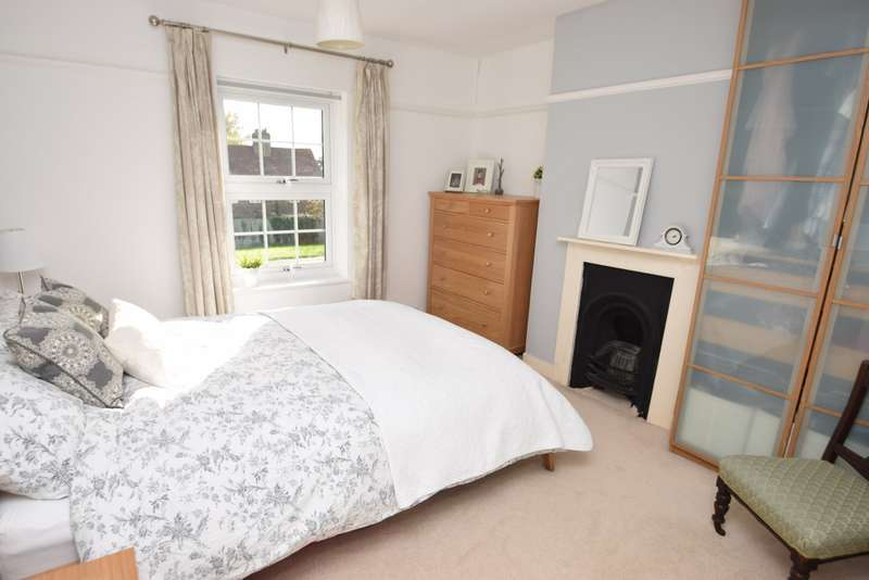 3 Bedrooms Terraced House for sale in Bath Road, Taplow, Maidenhead, SL6