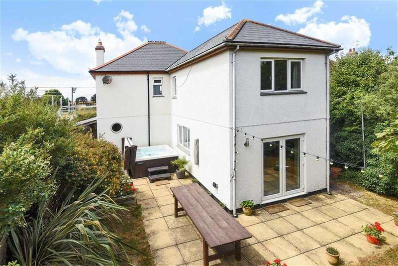 4 Bedrooms Detached House for sale in Neeham Road, St Newlyn East, Newquay, Cornwall, TR8