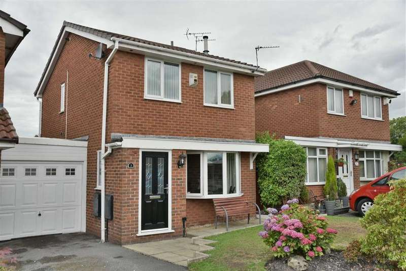 3 Bedrooms Link Detached House for sale in Batheaston Grove, Leigh
