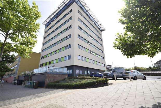 1 Bedroom Flat for sale in Beacon Tower, Fishponds Road, Fishponds, Bristol, BS16 3HQ