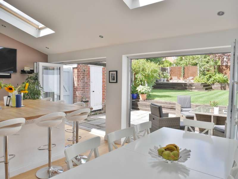 5 Bedrooms Detached House for sale in Farlington, Hampshire