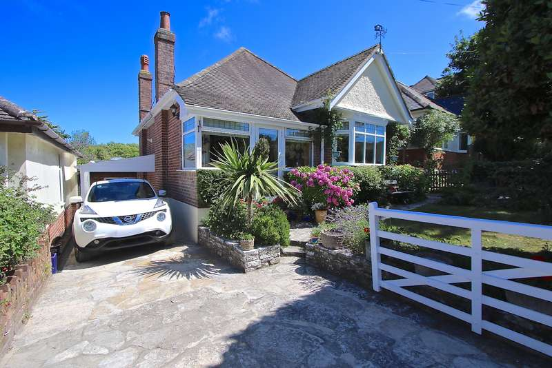 4 Bedrooms Detached House for sale in OSMAY ROAD, SWANAGE