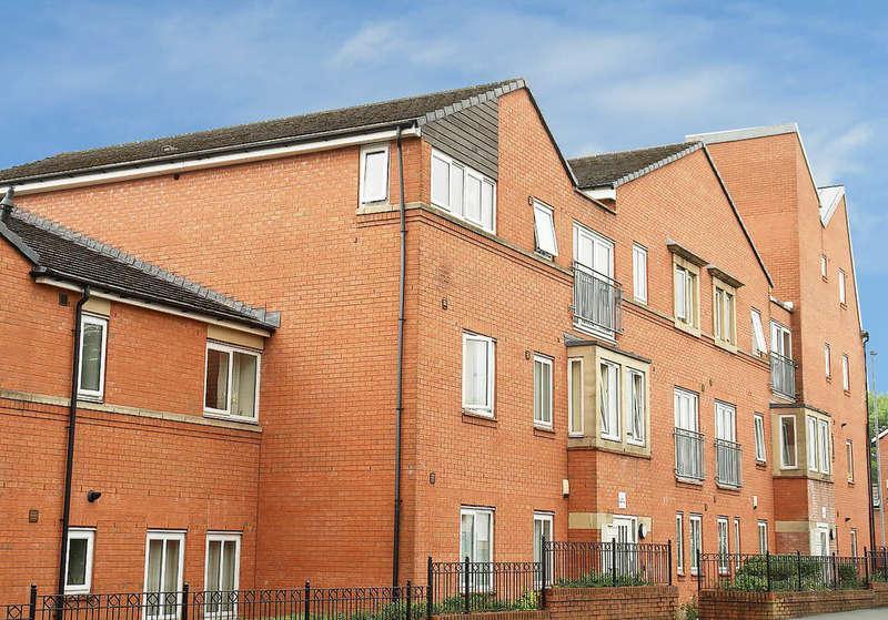 2 Bedrooms Flat for sale in Waverley Court, Derker , Oldham